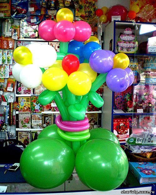 Букет разноцветных цветов из воздушных шаров